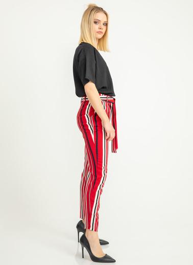 Foremia Çizgi Detay Kuşaklı Pantolon Kırmızı